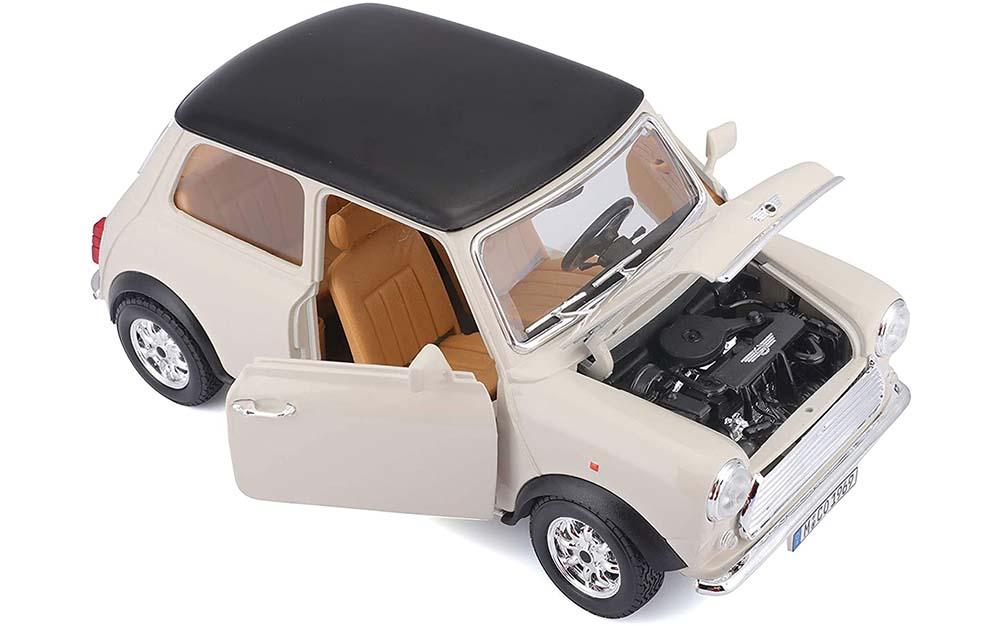 Bburago 1:18 Scale Mini Cooper 1969 Die-Cast Vintage Scale Model